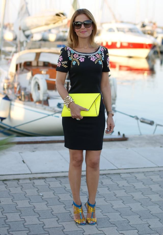 žluté psaníčko outfit