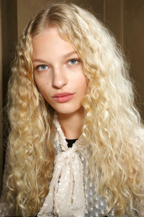 Navlněné vlasy