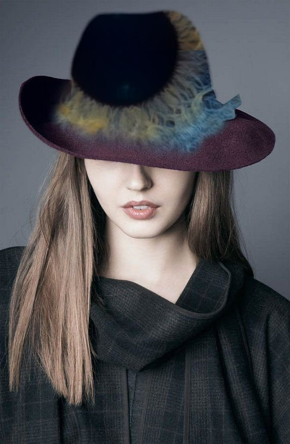 klobouk s potiskem očí