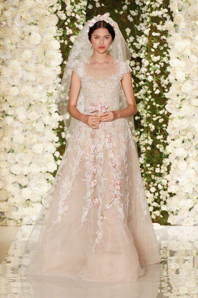 Romantické svatební šaty 2015