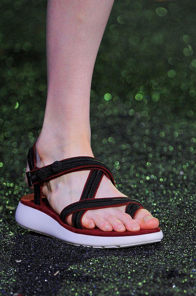 Sandálky na nízké platformě
