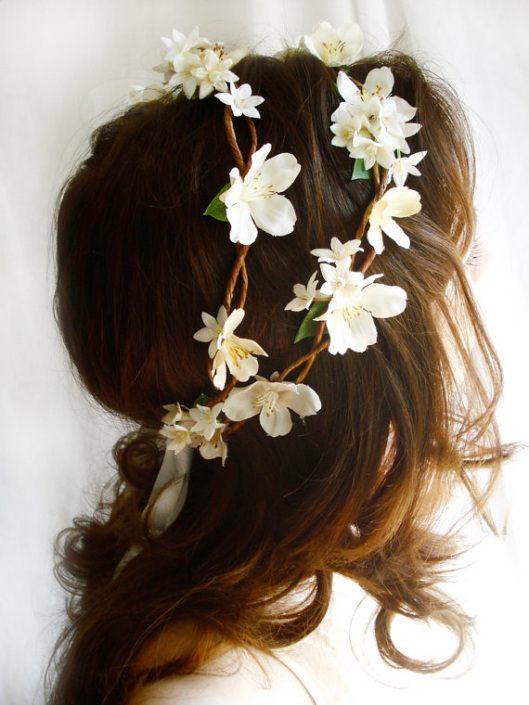 Květinový věnec do vlasů