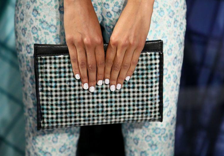 Nails Art, puntíky jako trend v manikúře 2014