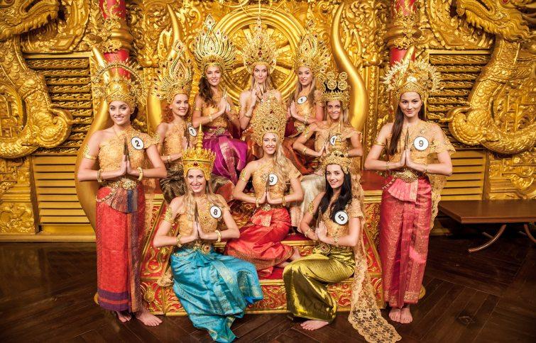 česká miss tradiční thajské šaty