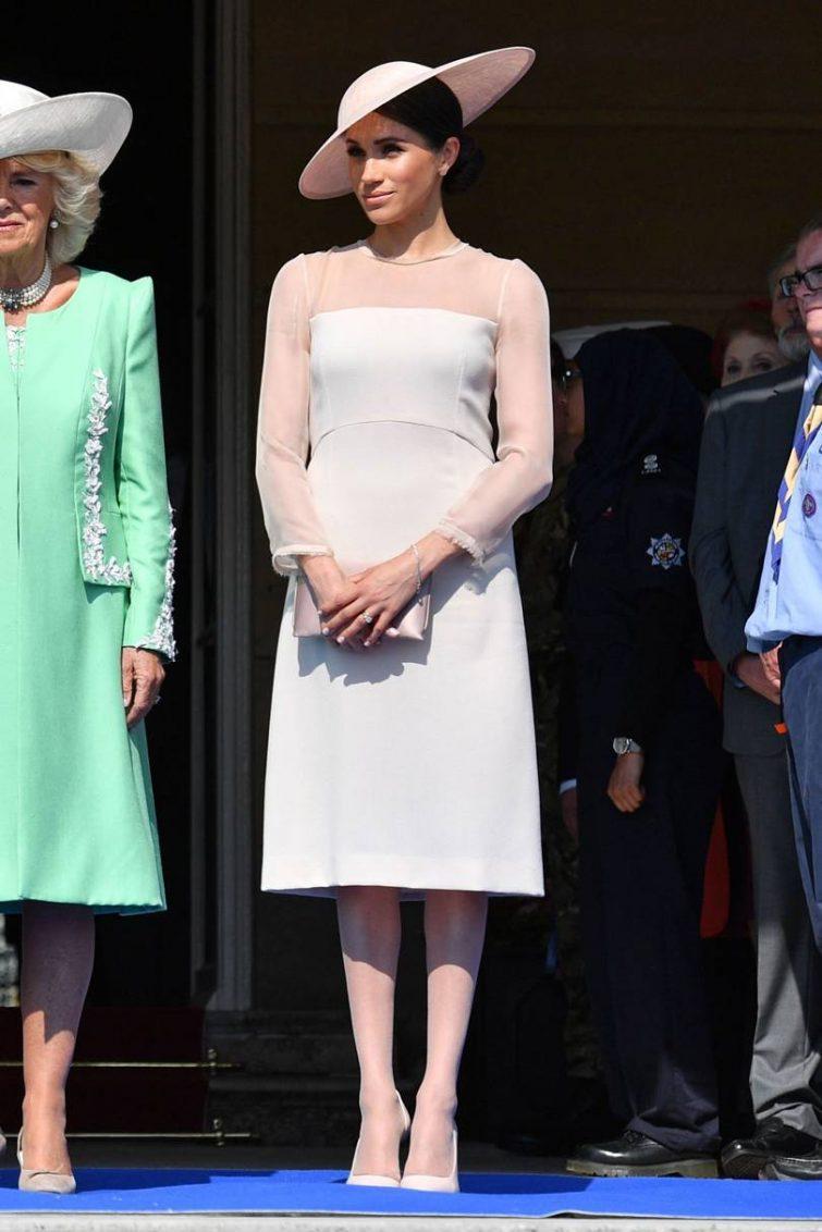 meghan markle šaty formální oblečení