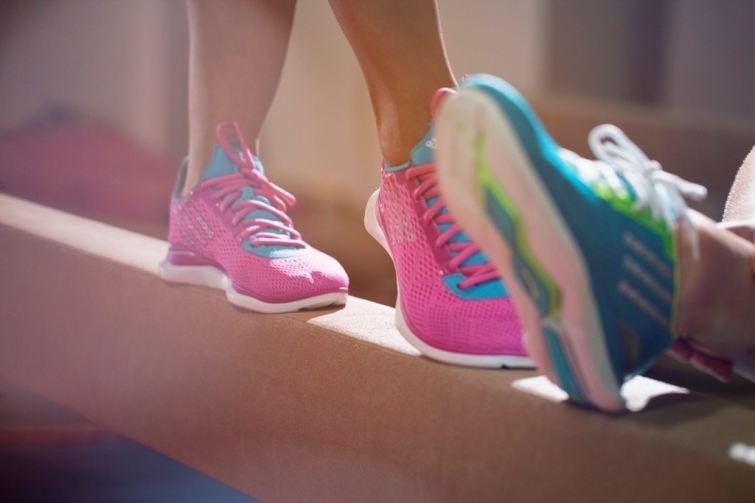 barevné boty Adidas