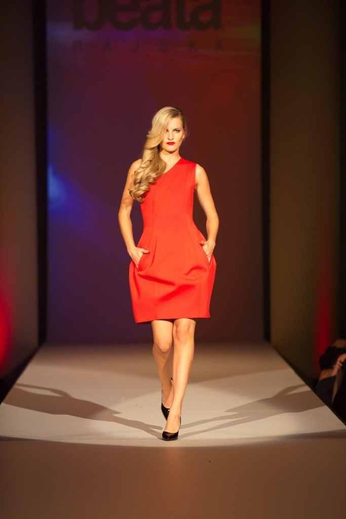 Červená šaty od Beaty Rajské