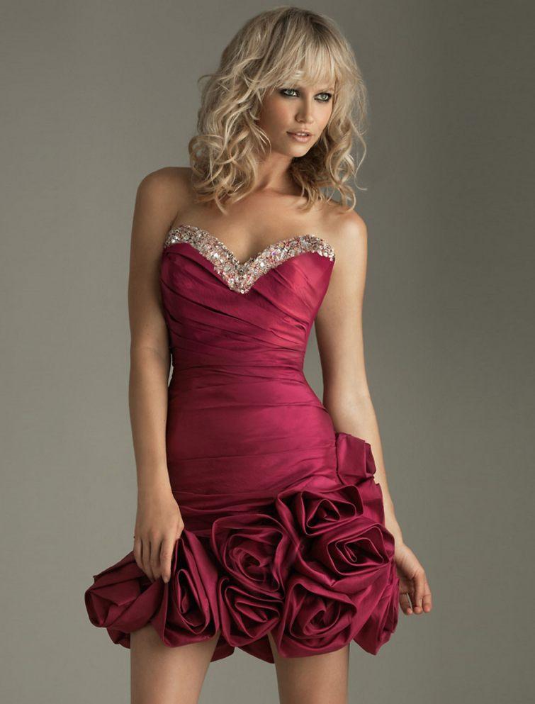 vínové šaty na maturitní ples
