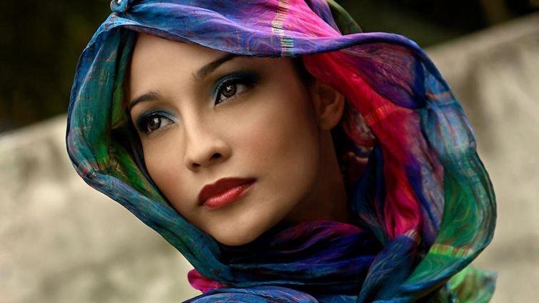 Barevný šátek