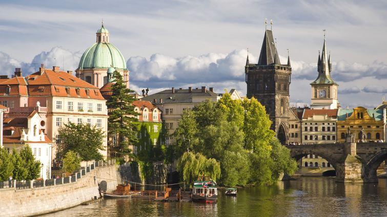 Střed Evropy, Praha