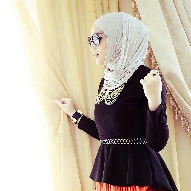 růžový hijab móda orientu