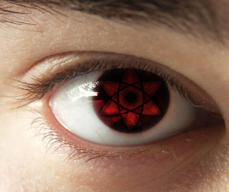 kontaktní čočky červené