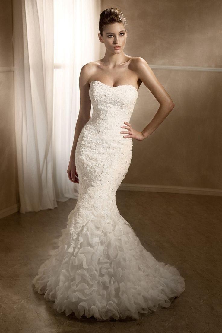 svatební šaty postava přesýpacích hodin