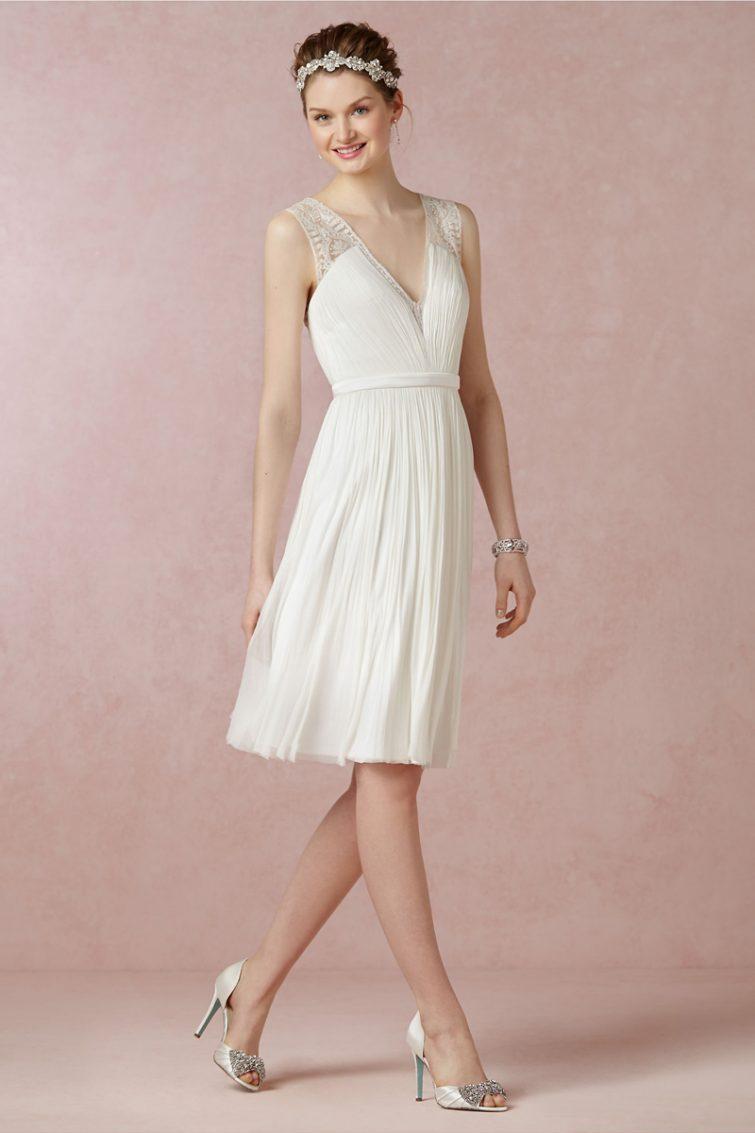 svatební šaty široká ramena úzké boky