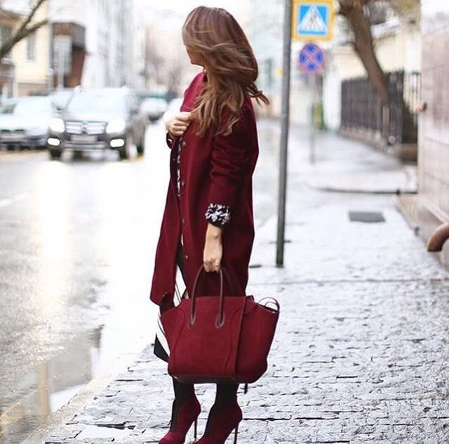 vínový outfit