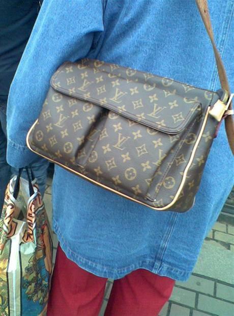 módní peklo fake kabelky