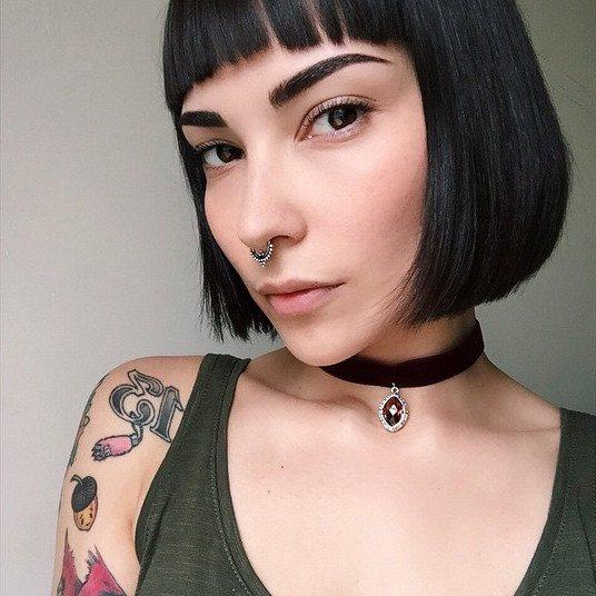 falešný piercing