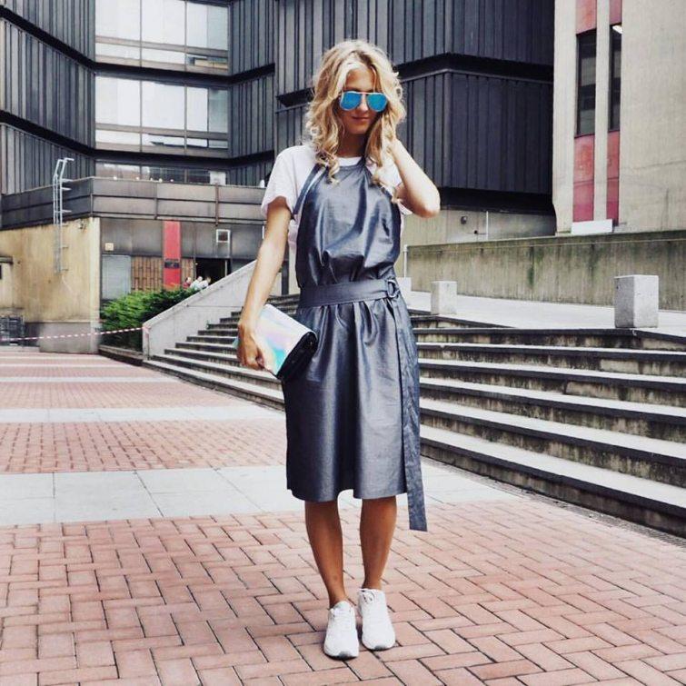 Natálie Kotková při Fashion weeku šaty od návrhářky