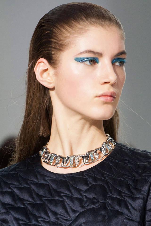 Dior kompletně ulízané vlasy 2014
