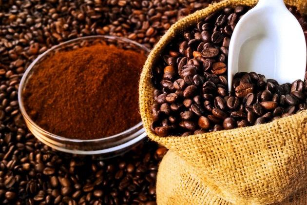 Maska z kávy