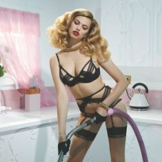 800x680xagent-provocateur-spring-2014-campaign8.pagespeed.ic_.D9MH_WPvDS