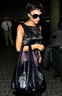 Victoria Beckham outfit taška