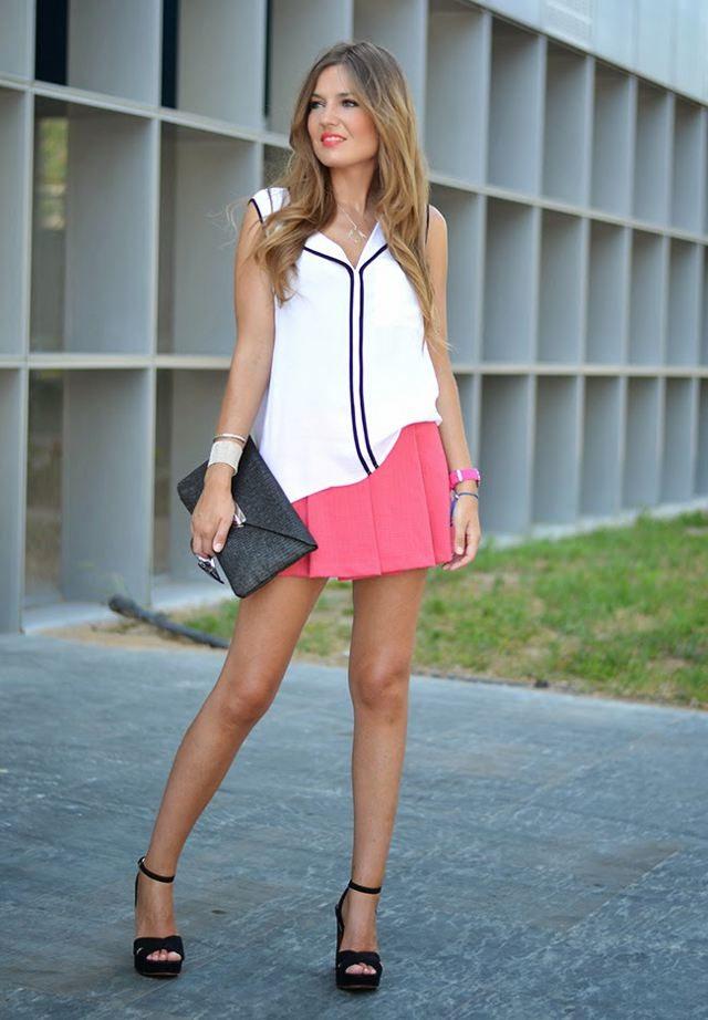černé psaníčko růžová sukně