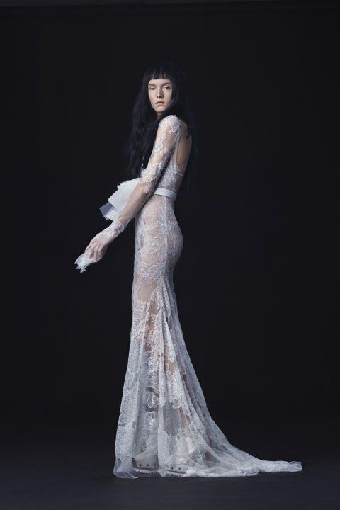 moderní šaty pro nevěstu