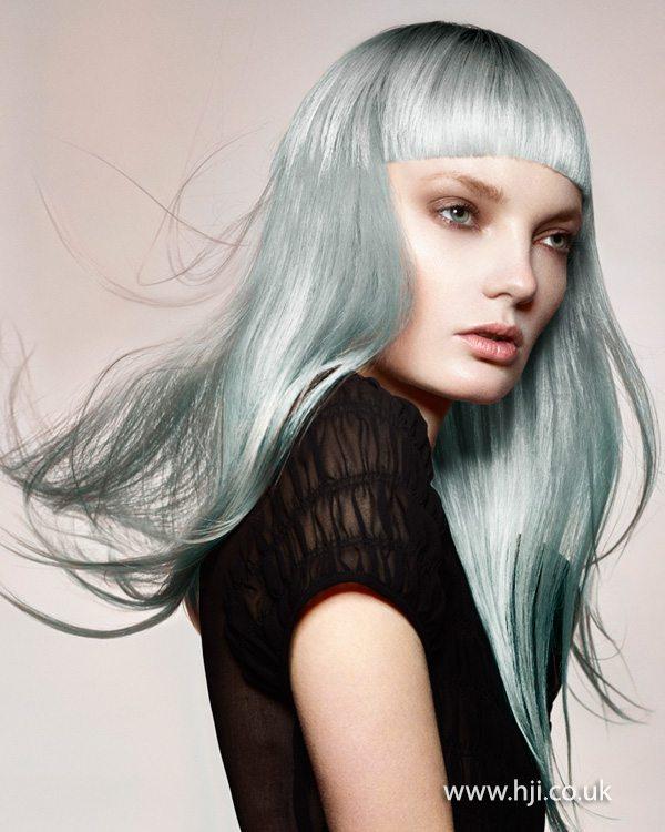 pastelově modrá