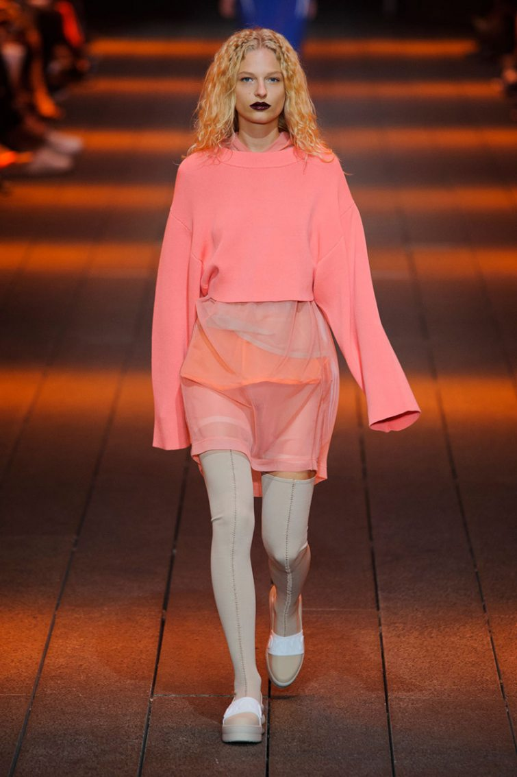 růžový outfit tipy jak nosit