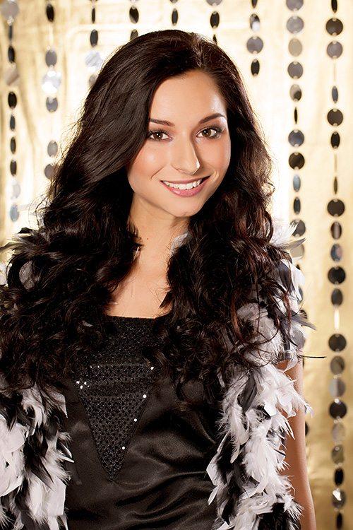 miss Sarah Karolyiová modelka