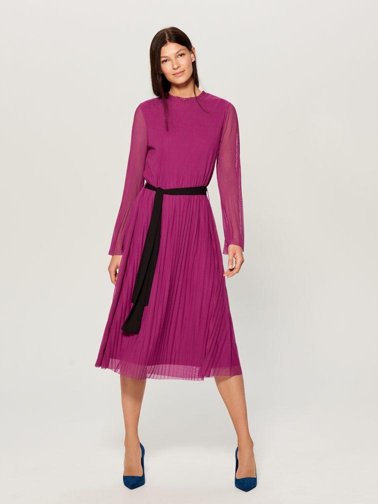 plisované midi šaty 2019 trendy