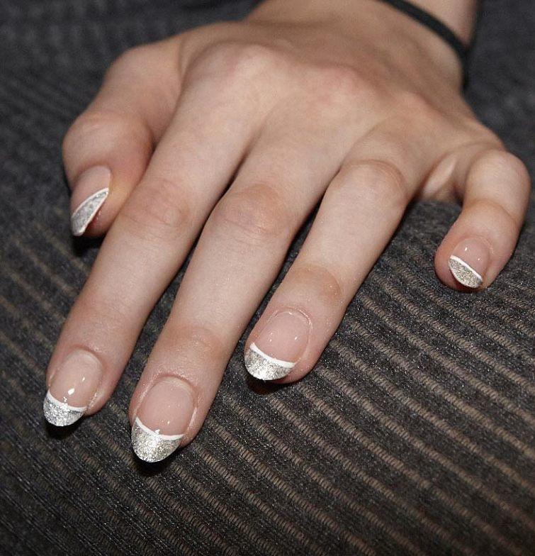 lakování nehtů 2015 třpytivá francouzská manikúra