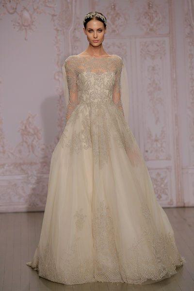 svatební šaty vyšívané krajkou 2015