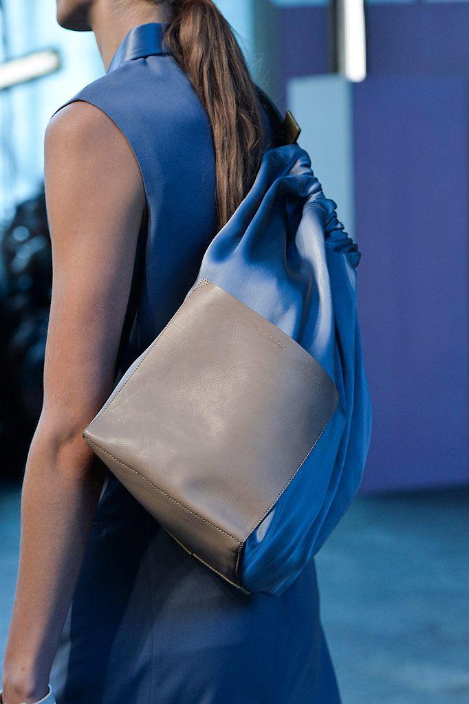 Trendy kabelky 2015 ve stylu batůžku