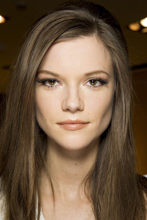 Dokonale rovné vlasy aneb trendy účes podle Versace, podzim/zima 2014/2015