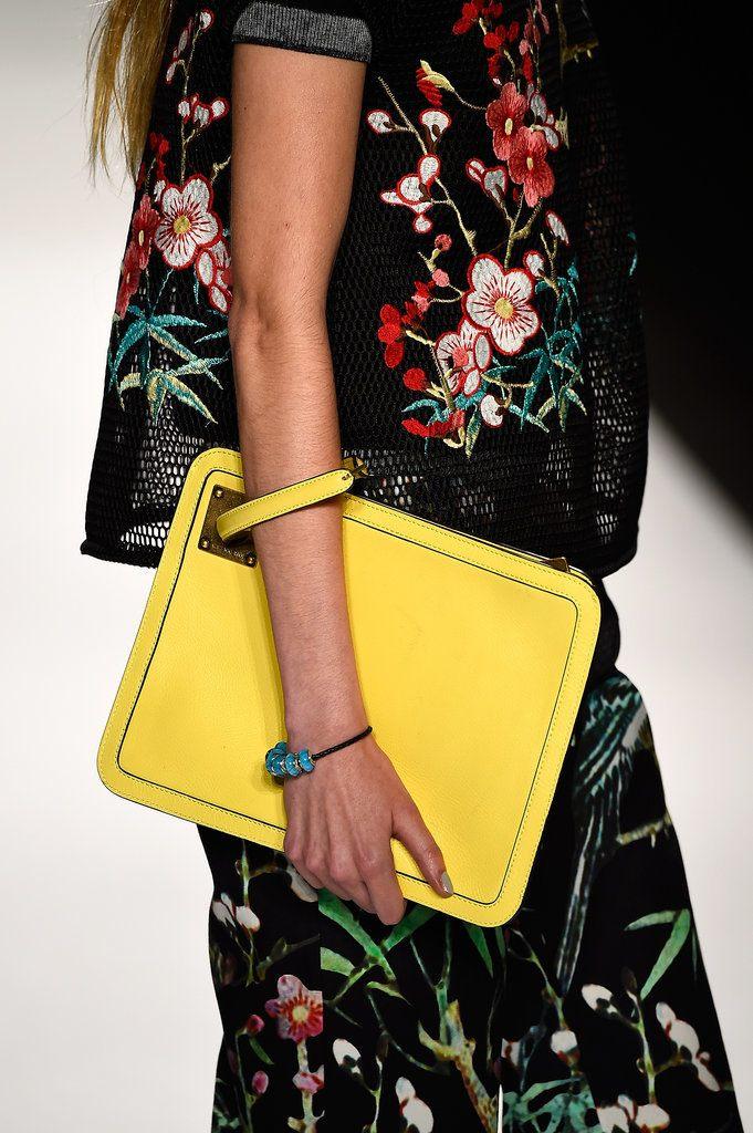 Trendy kabelky v podobě psaníček