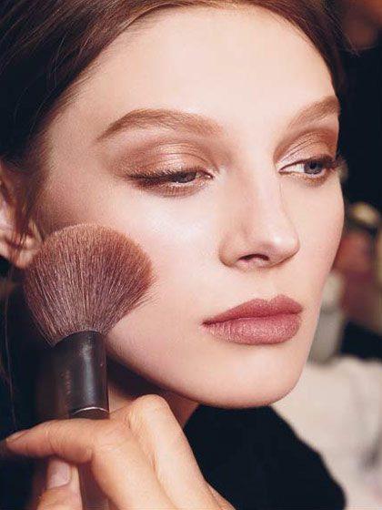 Vhodný make-up je základem dokonalého líčení