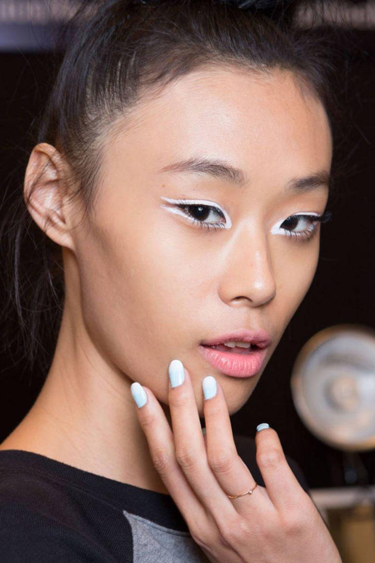 Bílé trendy nehty 2015, jak na lakování nehtů