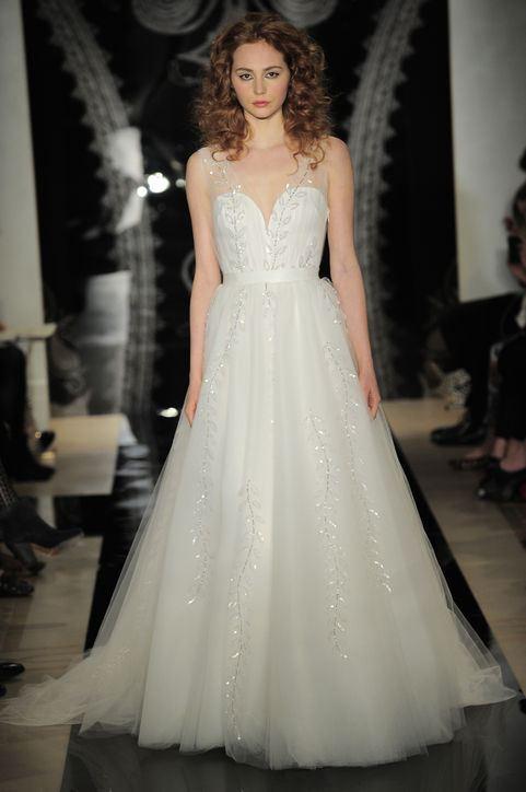 Svatební šaty se zvýšeným pasem