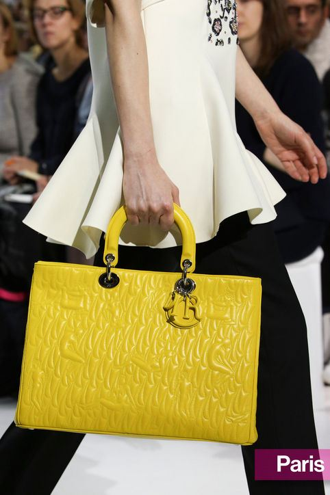 Žlutá kabelka podzim 2014