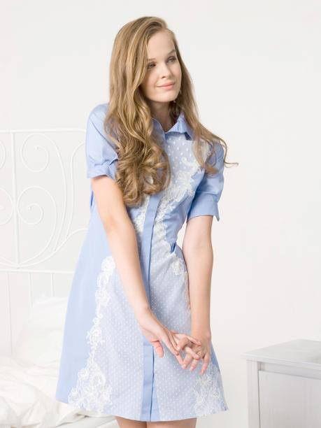 Hedvábné šaty s ručně stříhanou krajkou a perleťovými knoflíky
