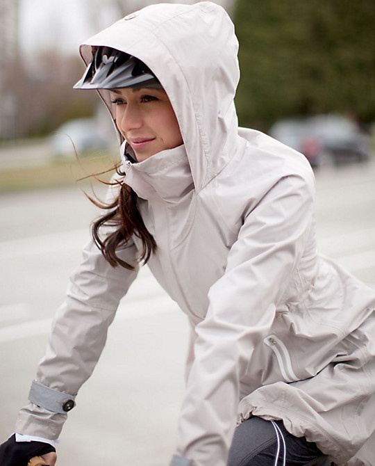 Nepromokovavá a větruvzdorná cyklistická bunda