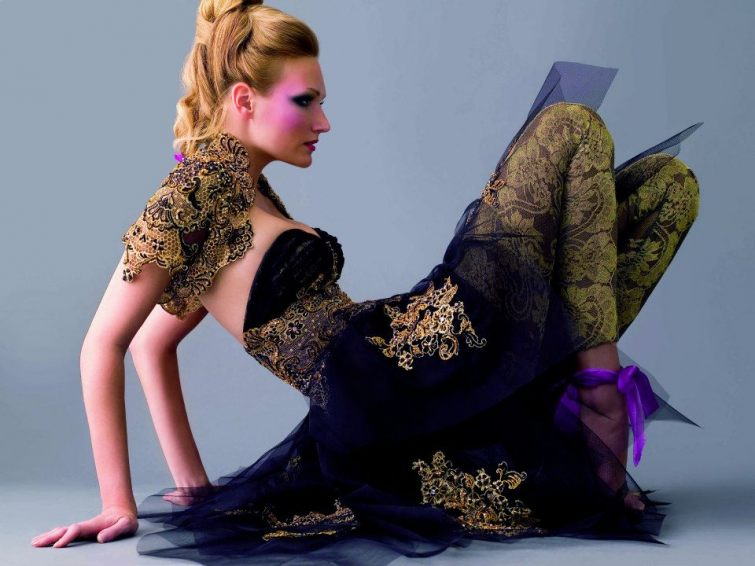 Dámské šaty styl Orientu