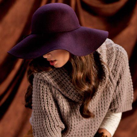 Fialový originální klobouk