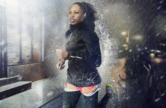 Nepromokavá bunda Nike