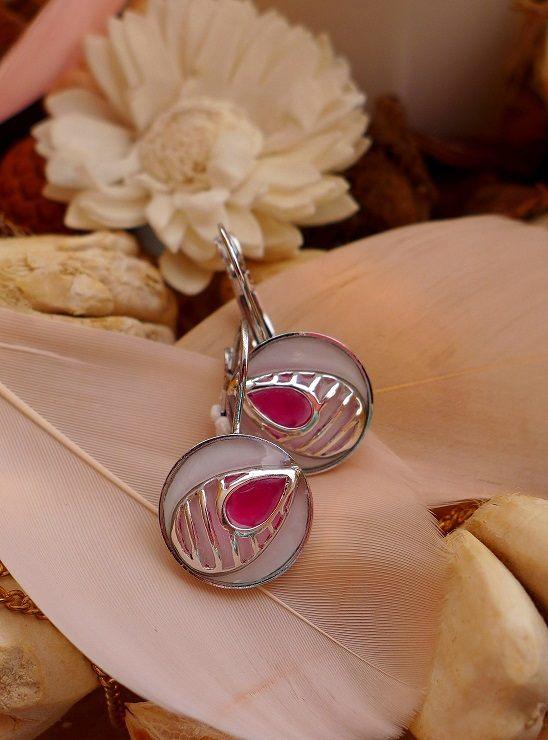 Krásné náušnice s růžovou slzičkou