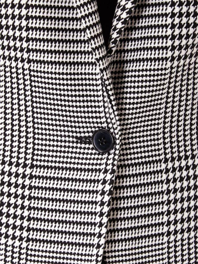 Detail vzoru na kabátě