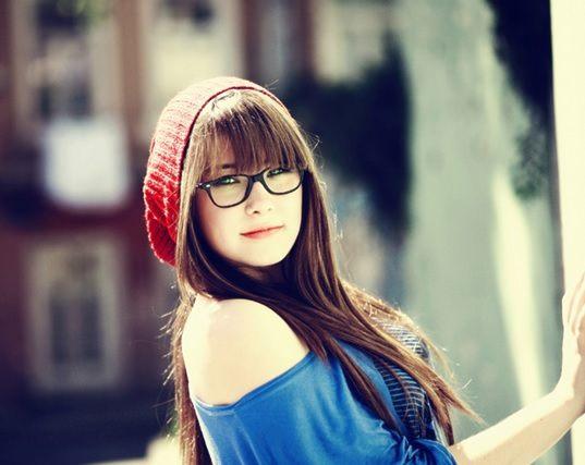 Černé brýle v retro stylu jako módní doplněk