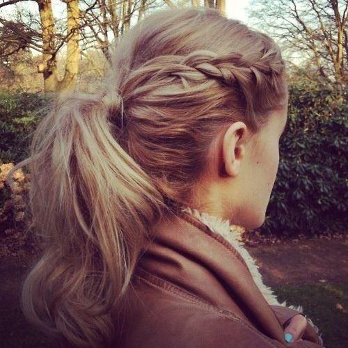 Propletené vlasy v culíku